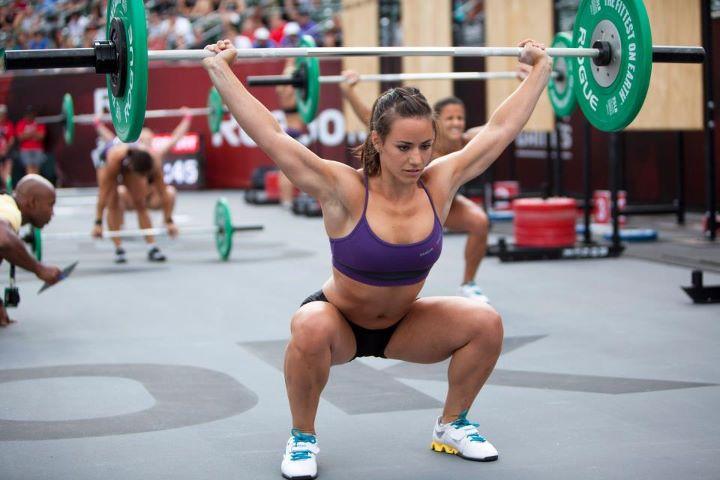 crossfit atleet Bazinet tijdens de overhead squat