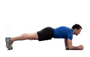 man doet een normale plank