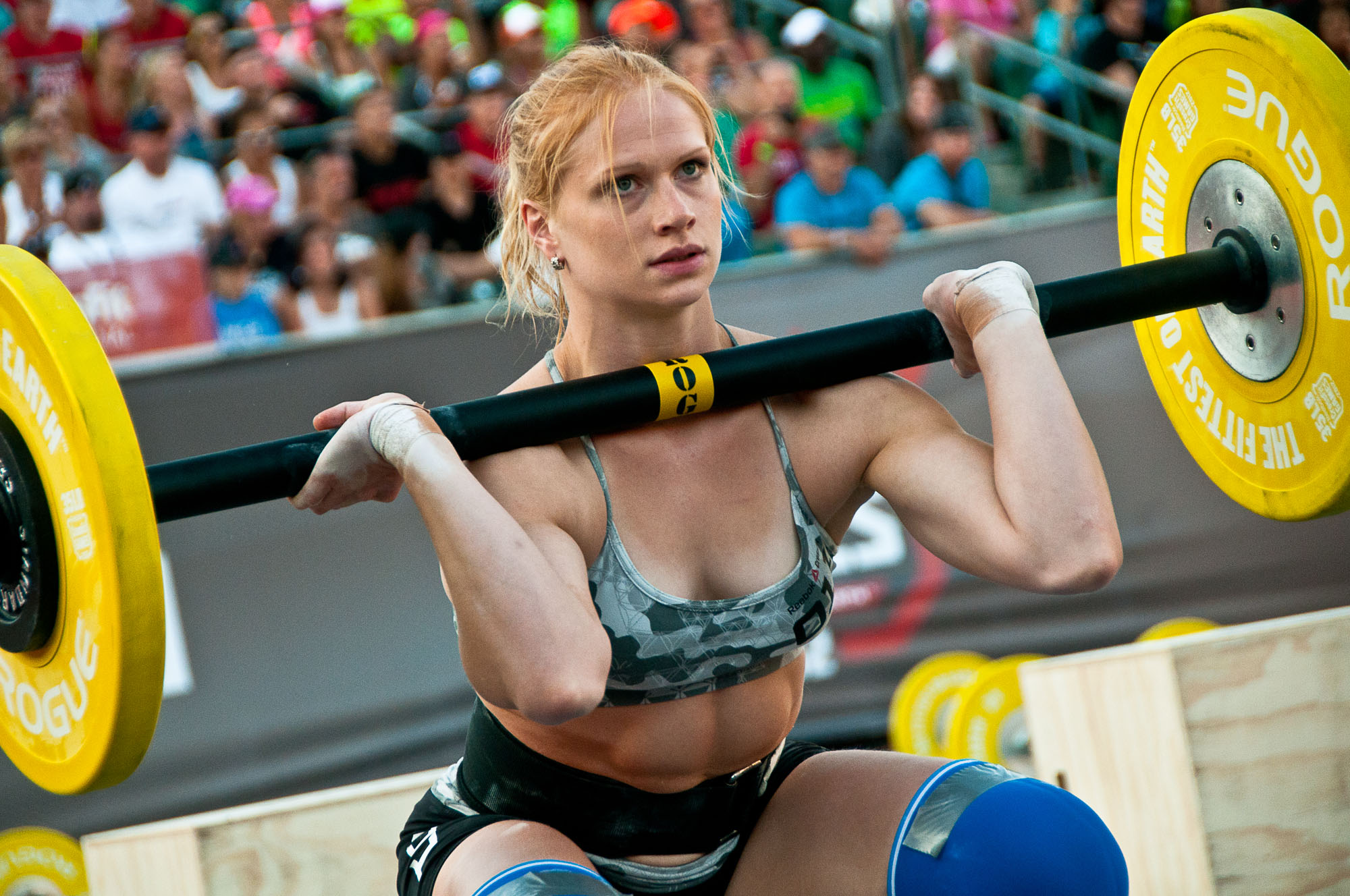 annie thorisdottir doet een axle clean