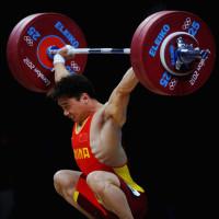gewichtheffer met weightlifting shoes